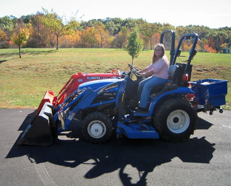 Equipment, New Holland Tc24d 3 Cylinder Compact Tractor