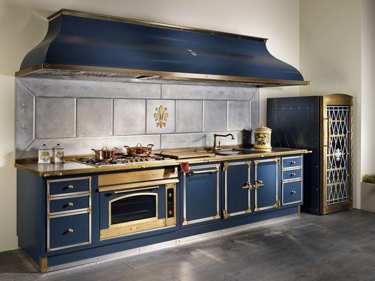 Cucina lineare in metallo BLU PROFONDO by Officine Gullo ...