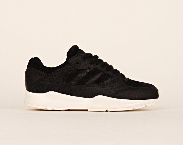 Adidas -  Tech Super W