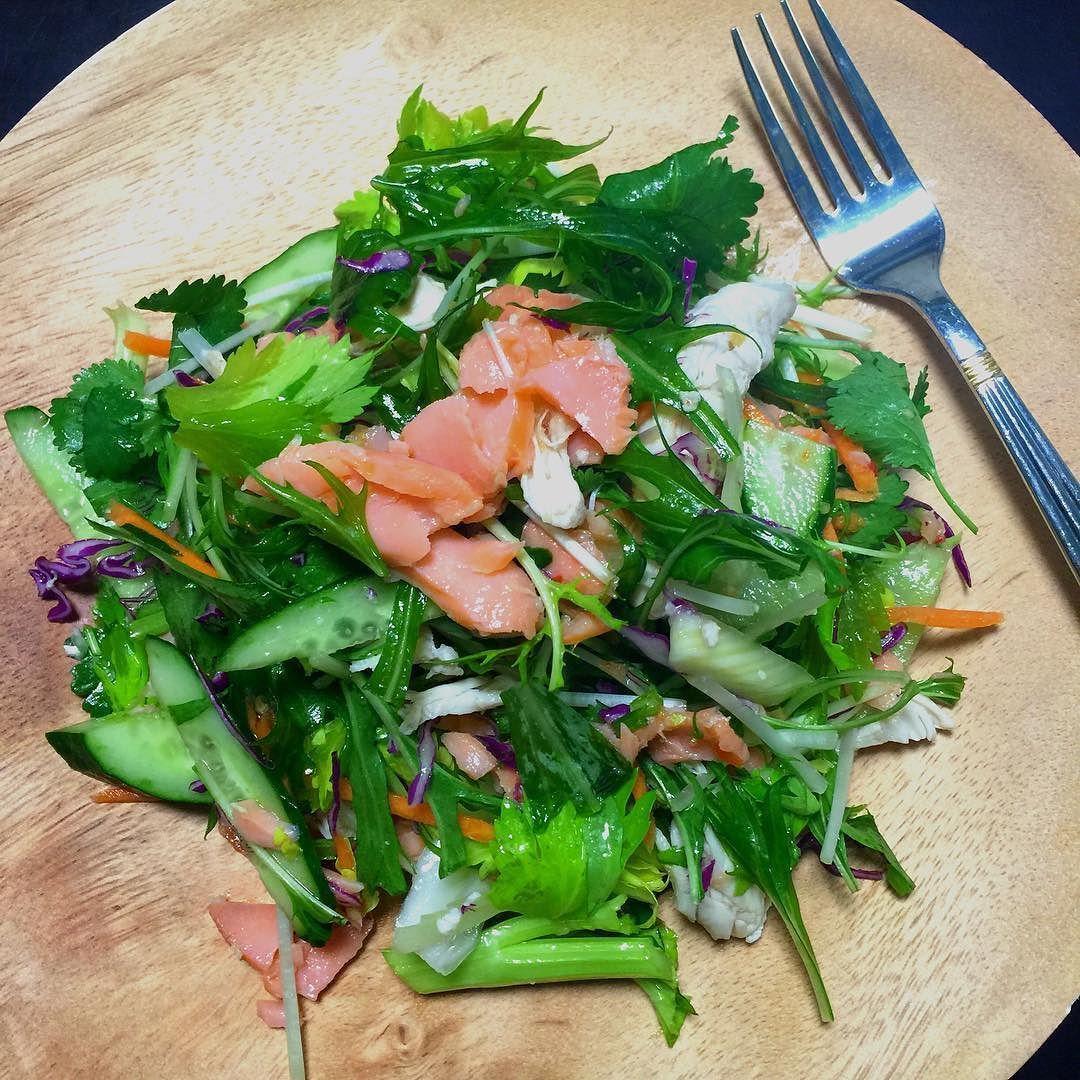 パクチーサーモンサラダ!고수 연어 샐러드! #糖質制限 #糖質制限ダイエット #低糖質 #건강식단 #다이어트식단일기 #다이어트 #샐러드#lowcarb #protein #diet #healthyfood #lunch by nanajpntyo