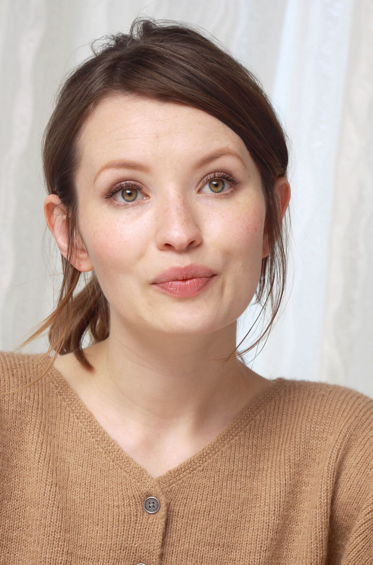Emily Browning Actress Beauty Pinterest Emily Browning And Makeup