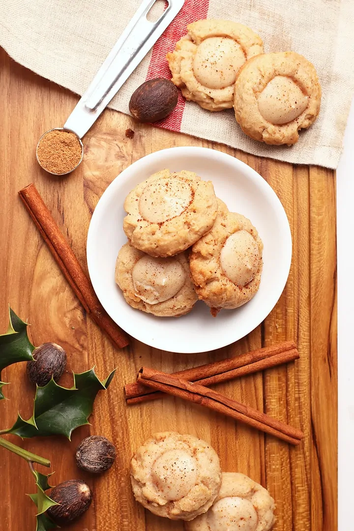 A Spiced Butter Cookie Filled With Creamy Eggnog Flavored Cheesecake These Vegan Eggnog T Vegan Eggnog Vegan Christmas Cookies Recipes Vegan Christmas Recipes