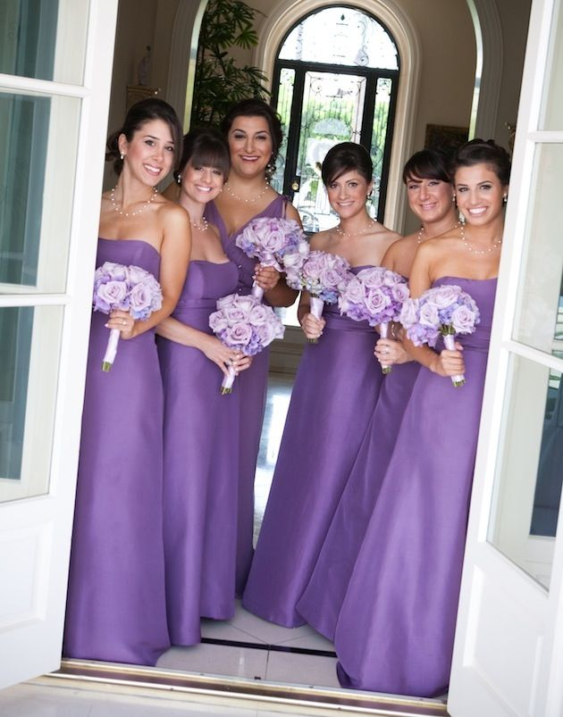 Coordinating Bridesmaid Bouquets with Your Wedding Flowers