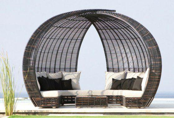La Mobilier De Jardin De Luxe Par Skyline Design Modern Outdoor