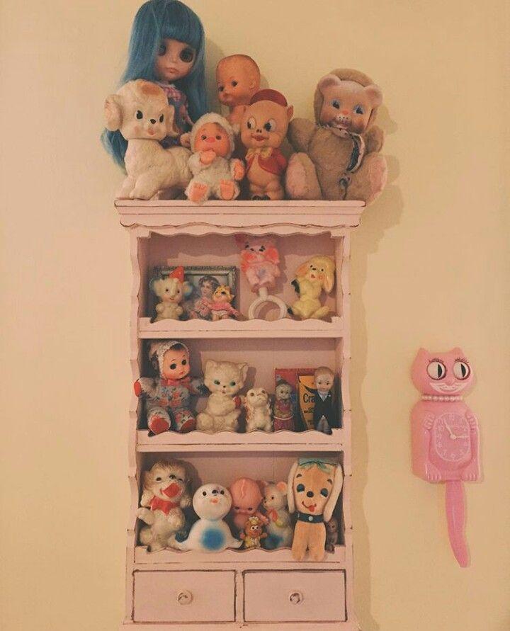 Retro Spielzeug, Vintage Sachen, Puppengesicht, Traum Schlafzimmer, Melanie  Martinez Puppenhaus, Zimmereinrichtung, Schlafzimmer Ideen, Schlafzimmer,  ...