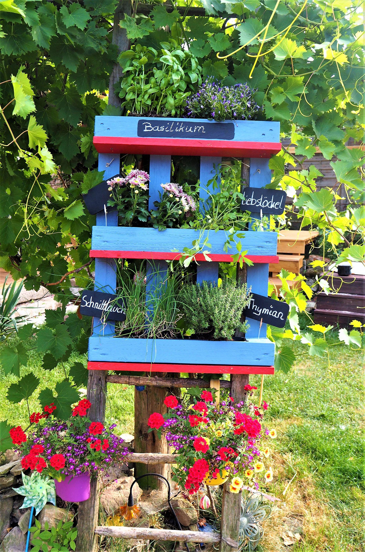 kr uterregal f r garten balkon oder k che von xasaya auf etsy pflanzenregal aus einer palette. Black Bedroom Furniture Sets. Home Design Ideas