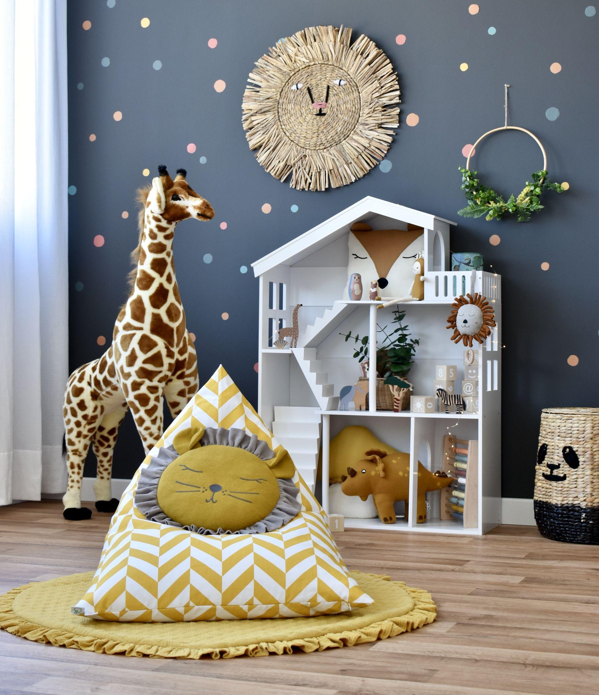 Spielzimmer mit Puppenhaus Regal & Tieren bei Fantasyroom online kaufen