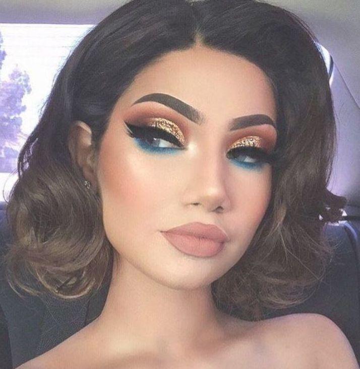 Новый тренд Instagram: девушки стали делать свои брови похожими на хвост рыбы