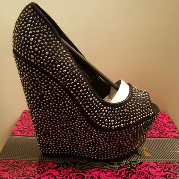 Studded platform wedge wedge heel pump, open instep & peep toe, rhinestones fully adorning THIS STYLE RUNS 1/2 SIZE SMALLER. States 7.5 fits  7 Heel Height: 6 inches Shoe Width: Normal Machi Shoes Wedges