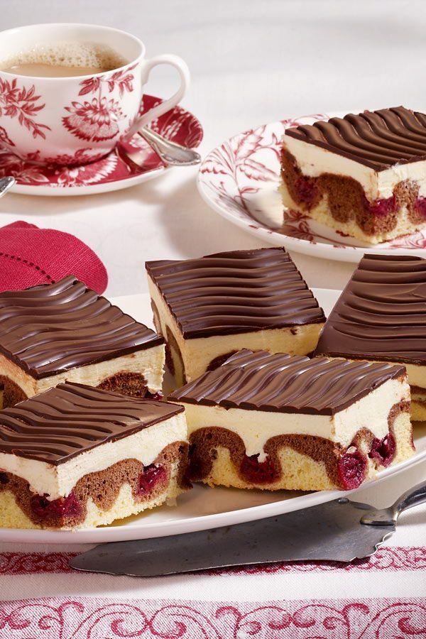 Classic Danube waves -  With our Donauwelle recipe, the sheet cake with butter cream and cherries tastes like grandma' - #classic #danube #FastRecipes #HealthyMeals #HomemdeRecipe #IndiaVegetarianRecipes #waves