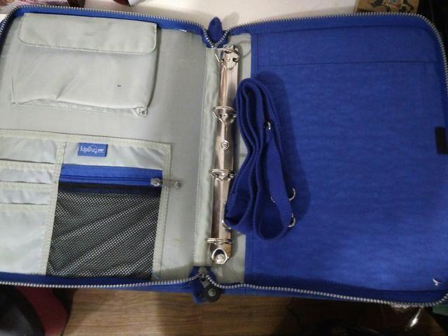 7086fd051 Fichário Kipling Original*azul Royal*Pouco usado   Kipling ...