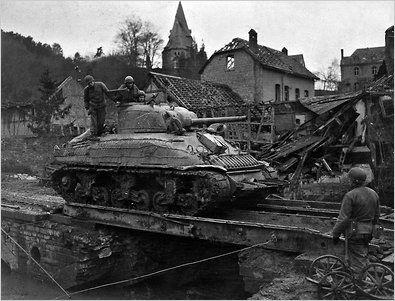 World War II (1939-45) | New york, A tank and World war