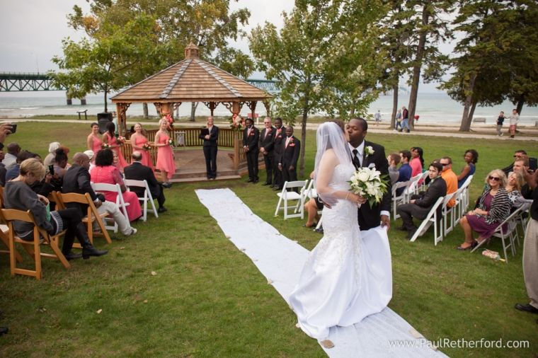 Mackinaw City Outdoor Wedding Photography Mackinac Bridge View Venue With Images Michigan Wedding Venues Outdoor Wedding Photography Lake Michigan Wedding