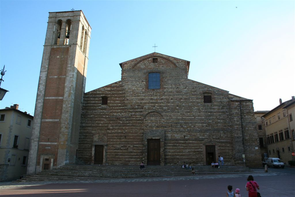 Il Duomo - Montepulciano - Visit Italy