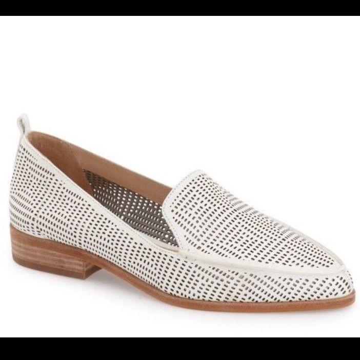 0a3c1e9a0a5 Vince Camuto Kade cutout loafer white size 8