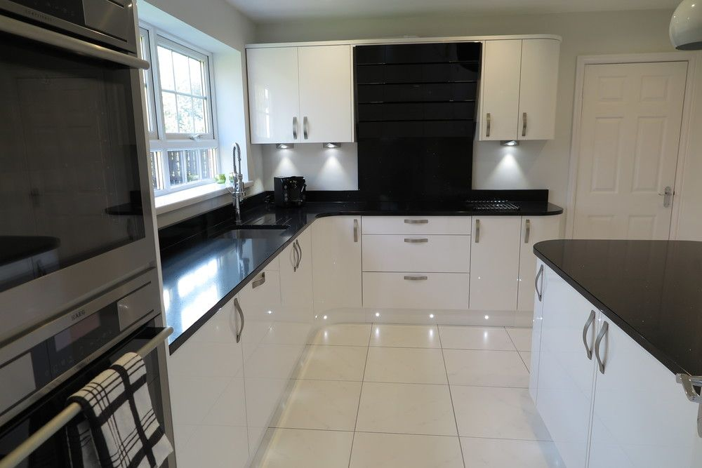 Signature Porter White Gloss and Black Quartz Worktops | Tecaz.com on black with white kitchen floor, black with white doors, black with white drawers,