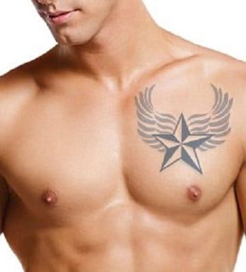 Tradicionales Tatuajes De Estrellas En El Pecho