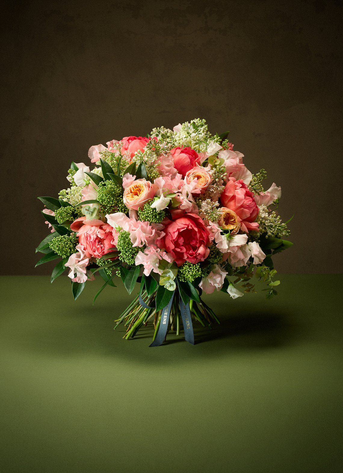 Mcqueens Avril Online Flower Delivery Seasonal Flowers Flower Delivery