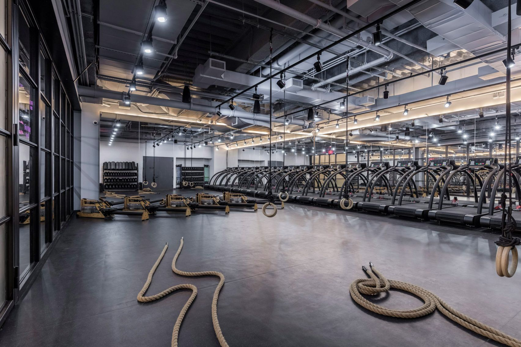 Wework S First Gym Is Pretty Fancy Wellness Club Fitness Boutique Gym Interior