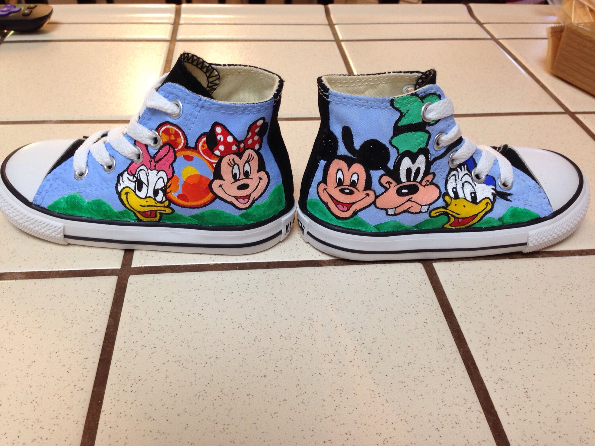 80df6e365f329c Customized Toddler Converse Mickey Mouse theme size 5.