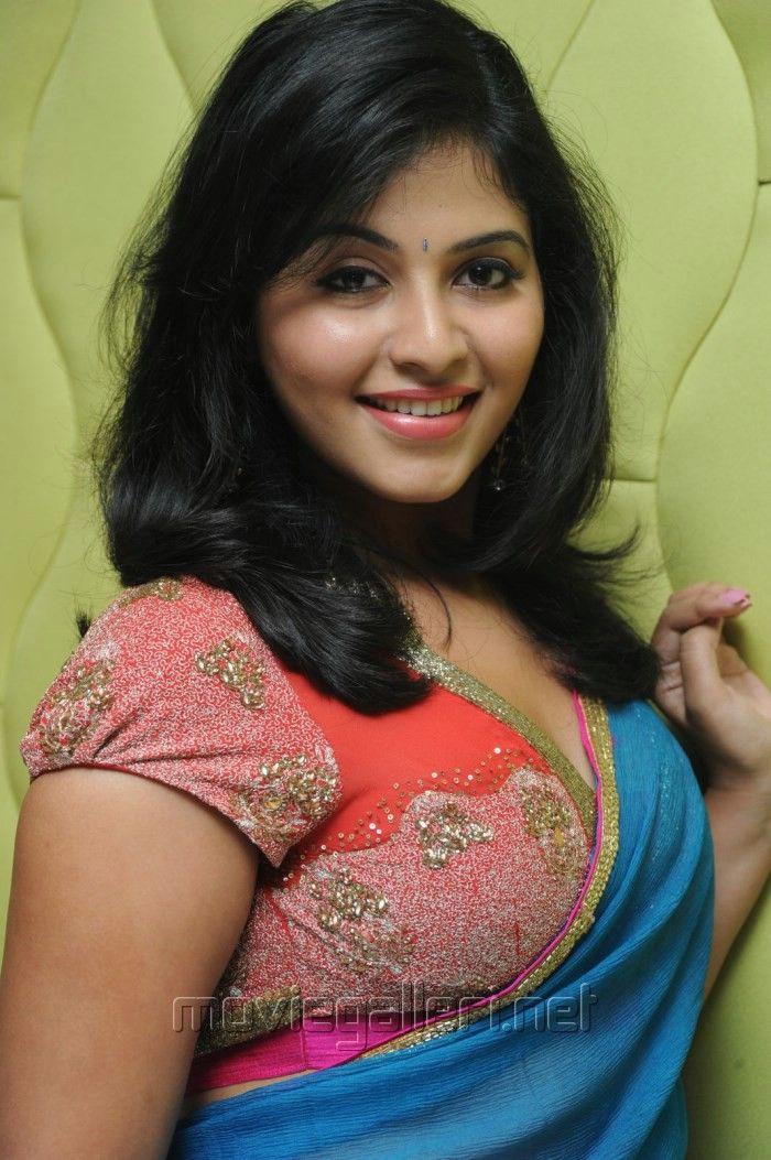 Picture Actress Anjali Blue Saree Hot Stills Masala