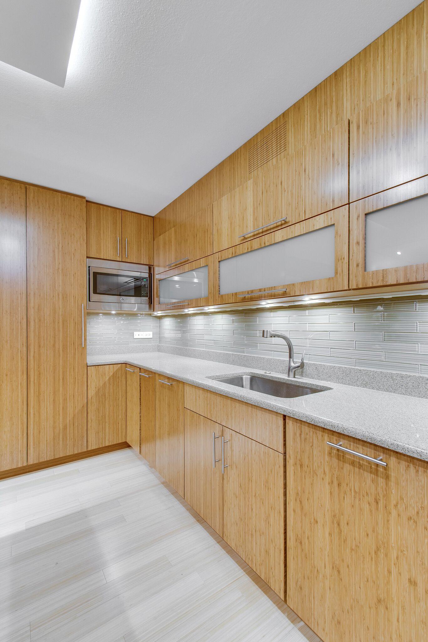 Custom Kitchen By Best Cabinets Chicago Custom Kitchen Kitchen Kitchen Cabinets