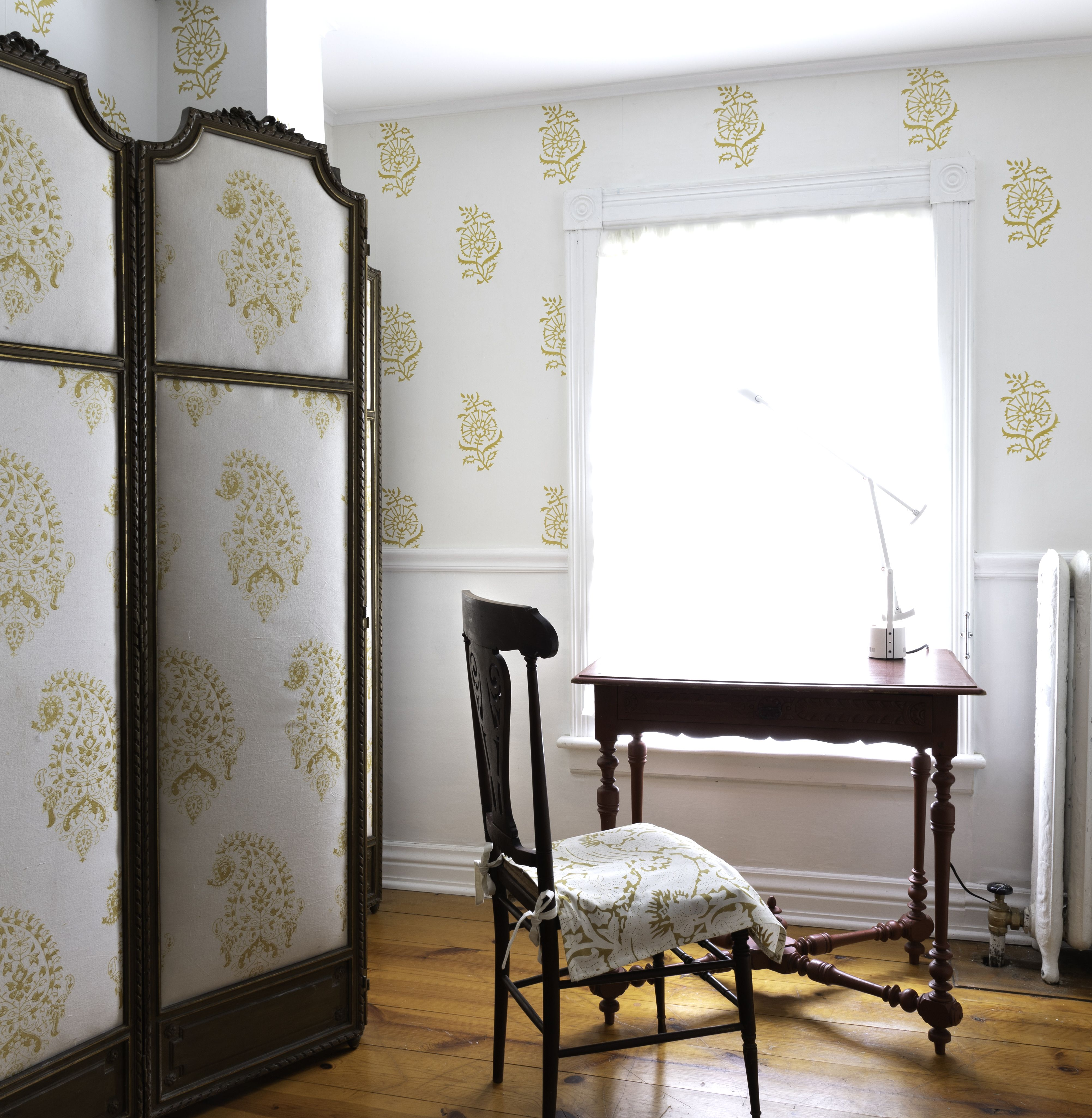 80 Seraphine Wallpaper Wallpaper French Grey Hand Screen Printed