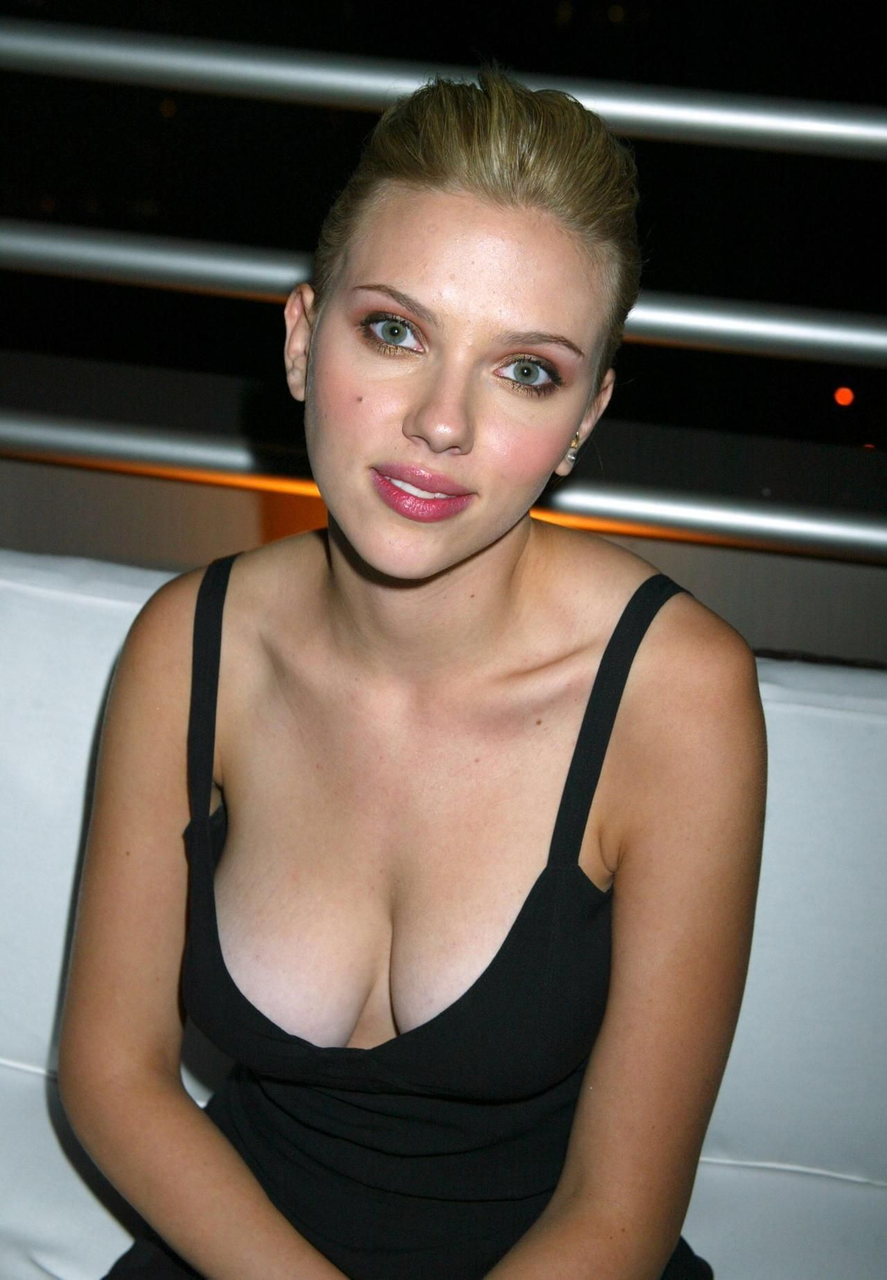 Scarlett johansson ot found photo scarlett johansson in