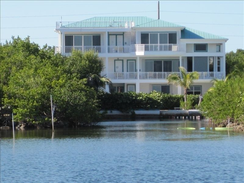 Oceanfront Mansion Exp Lifestyles Of Rich Famous Gated 6 Private Acres Secure Key Largo Mansions Oceanfront Vacation Home