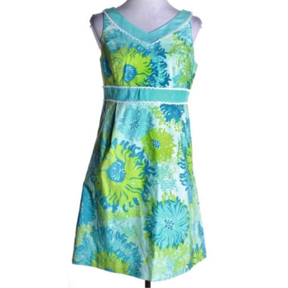 Lily Pulitzer Originals Sleeveless Dress Lily Pulitzer Originals sleeveless dress. Floral pattern. Grosgrain ribbon / lace details. Knee-length dress. Lilly Pulitzer Dresses
