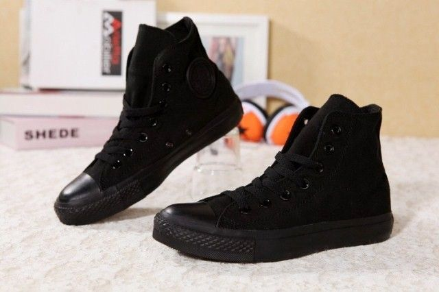 cbc5145315b1 Được làm từ chất vải cao cấp giày converse đen tuyền cao cổ giá rẻ giày có  thể thấm hút mồ hôi. có rất nhiều những màu sắc nổi bật