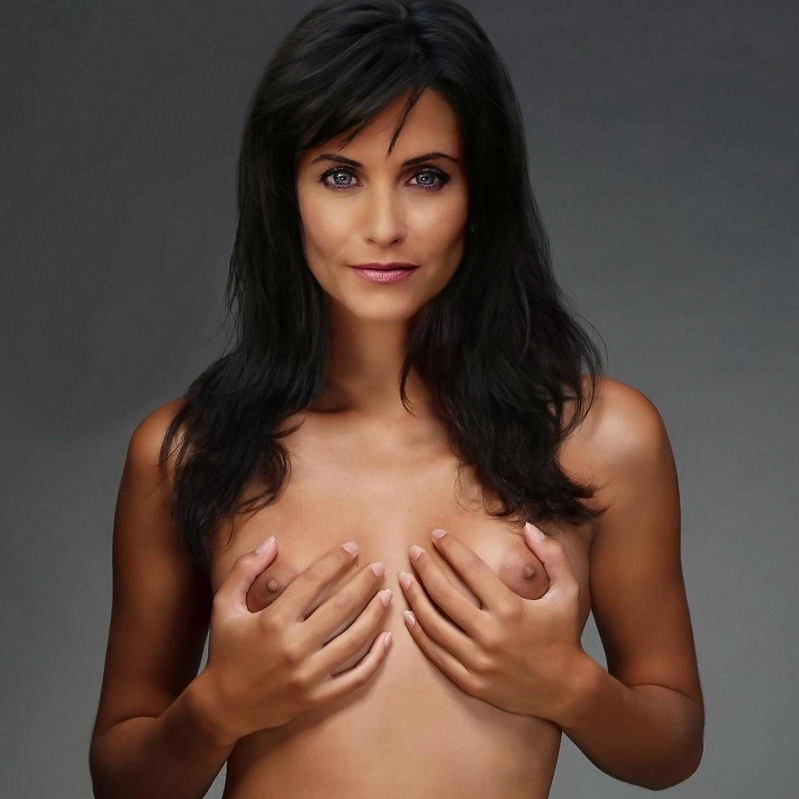 Friends star courteney cox in an all nude photos