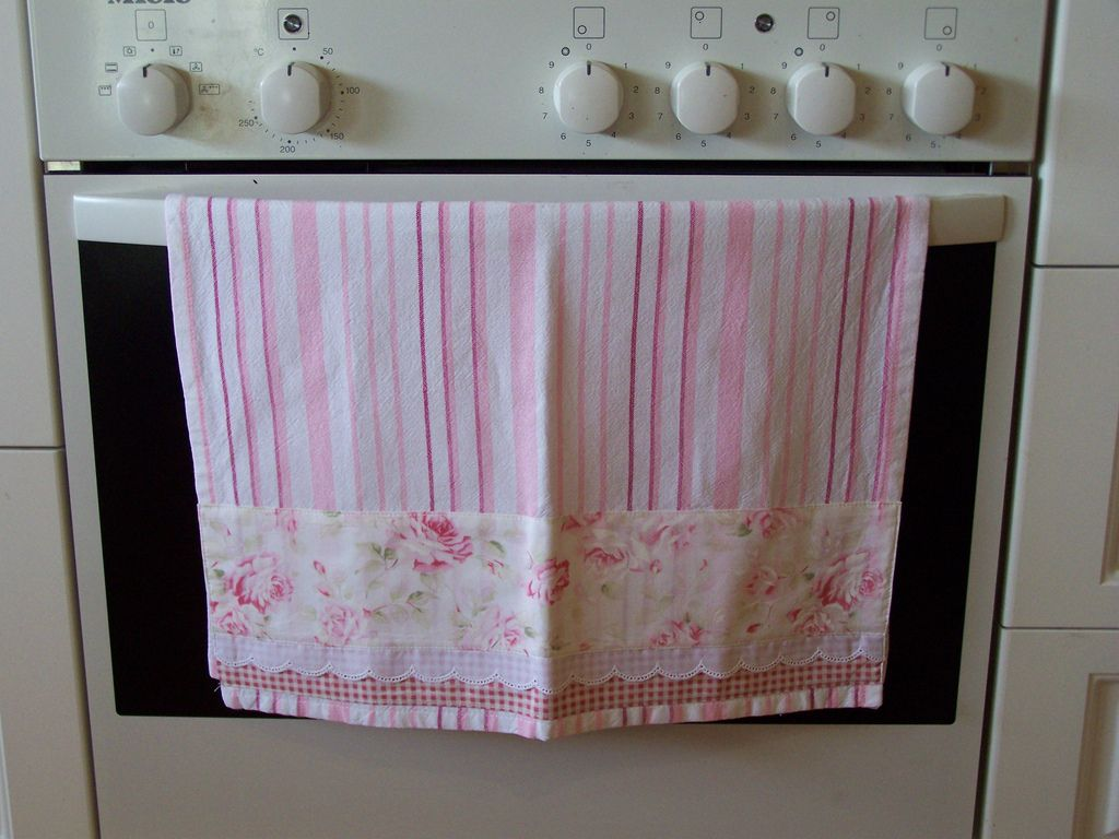 Pink And White Roses A Pretty Decorated Towel Towel Decorative Tea Towels Decorative Towels