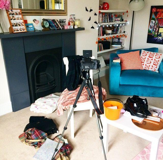 Love this living room from@velvetghOst