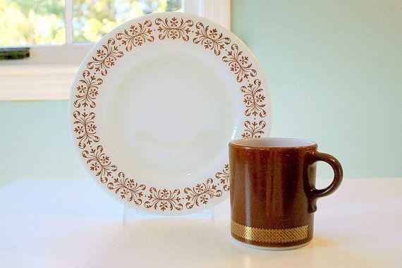 Pyrex Federal Eagle Gold Band Round Handle Mug by AbbywoodVintage
