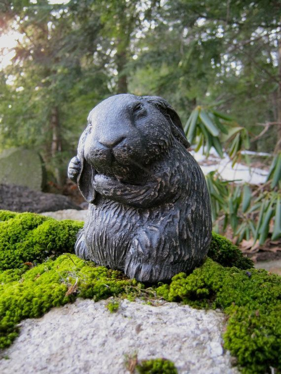 Garden Rabbit Statue   Garden Decor