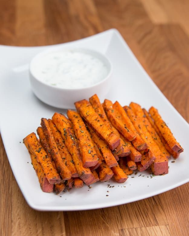 INGREDIENTSFor the fries:1 sweet potato2 tablespoons olive oil1 tablespoon fresh rosemary, chopped1 teaspoon salt1 teaspoon pepperFor the Greek yogurt chive dip:1 cup plain Greek yogurt1 tablespoon lemon juice2 tablespoons chives¼ teaspoon salt¼ teaspoon pepperPREPARATION1. Preheat oven to 425°F/220°C.2. Cut sweet potato into fries and combine in a large bowl with olive oil, rosemary, salt, and pepper. 3. Place in a single layer on a baking sheet lined in parchment paper. Bake for 20 - 25…
