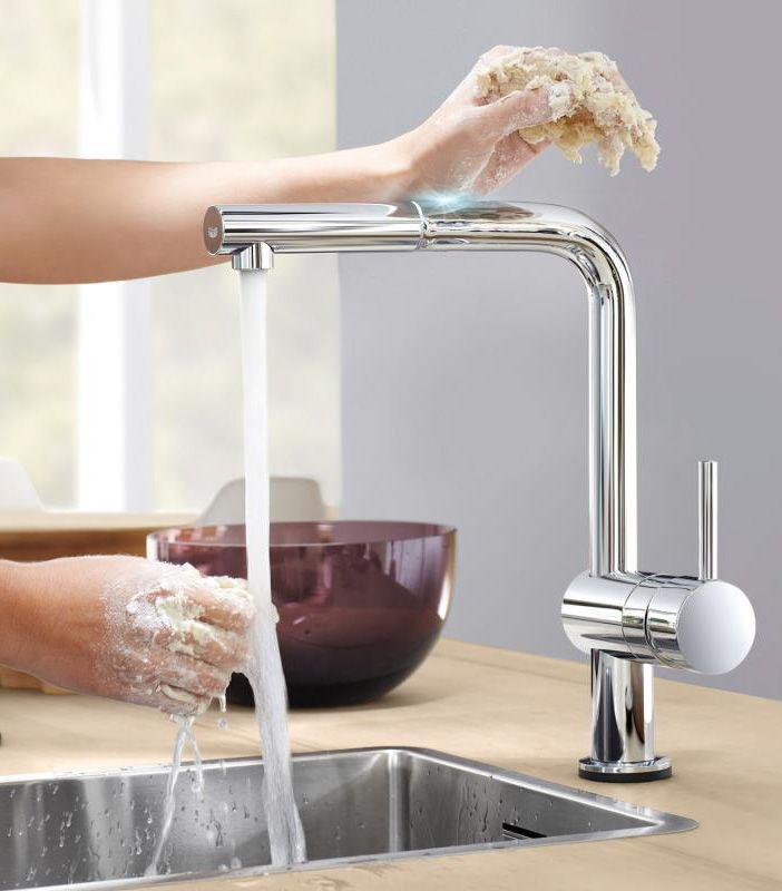 Grohe Minta Touch Mit Der Elektronischen Einhand Spultischbatterie Starten Sie Die Wasser Aktivierung Durch Beru Kuchenarmaturen Kuchenarmatur Armaturen Kuche