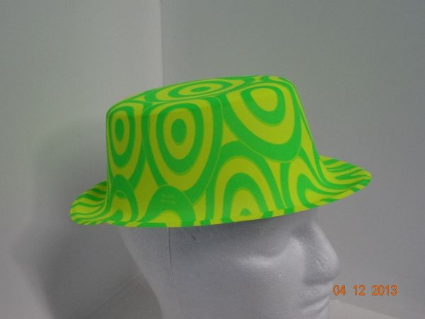 Sombrero copa estampado círculos colores neón.  FiestasTematicasMedellin   PianteriasMedellin d4ab5a71895
