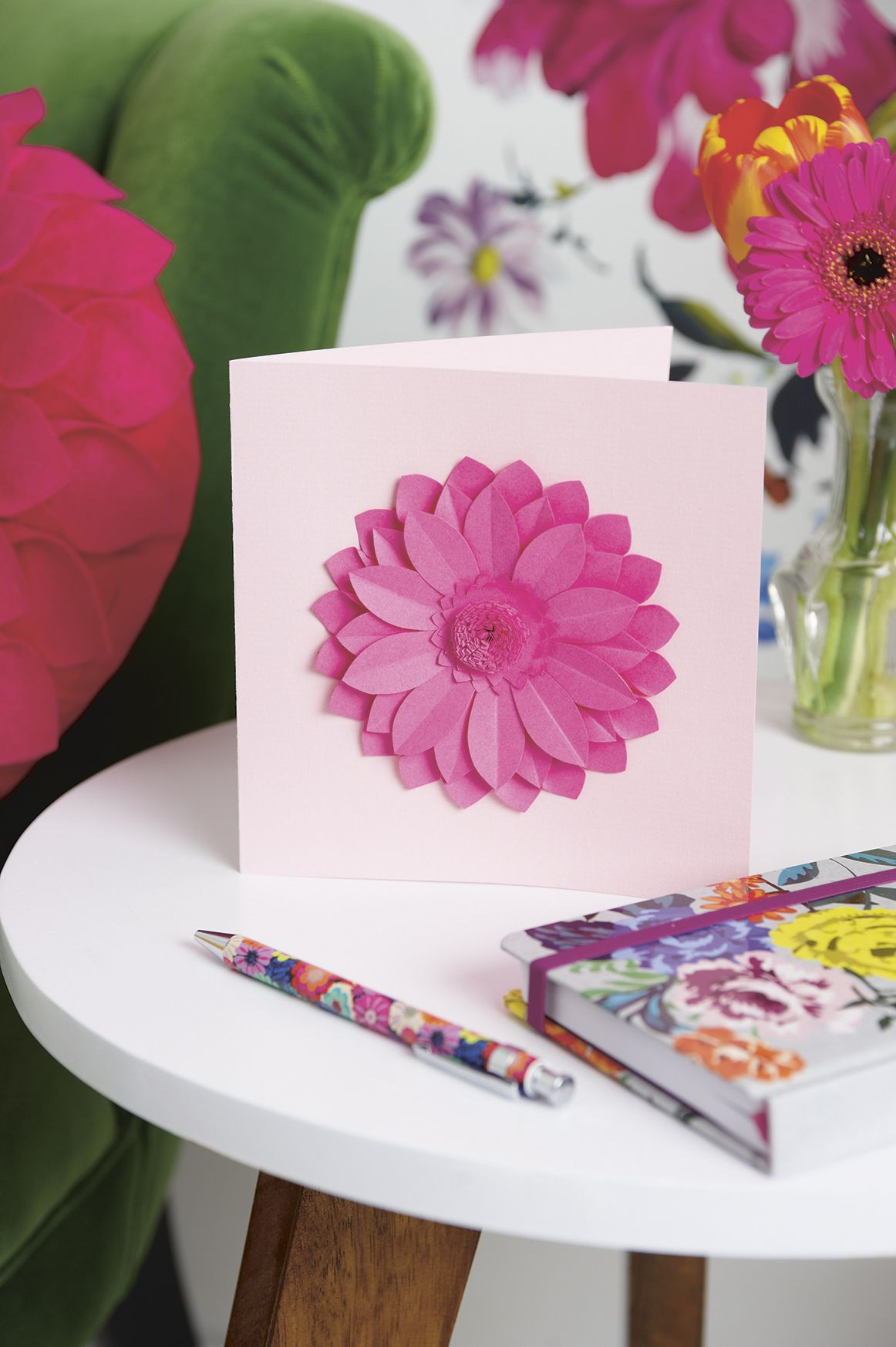 Make a beautiful paper flower card manualidades pinterest make a beautiful paper flower card izmirmasajfo