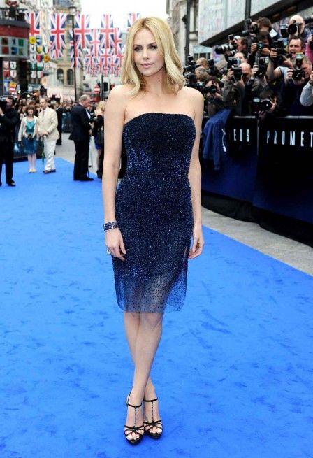 Charlize Theron in a blue Christian Dior dress. Gorgeous ... e82a59a5ba9