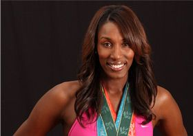 Who says beauty & being an athlete don't go together. Lisa Leslie proves you can still have style on the court and be a serious athlete.