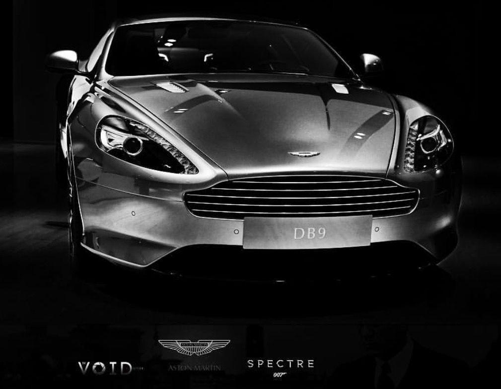 Superior Aston Martin Db9 Gt Bond Edition