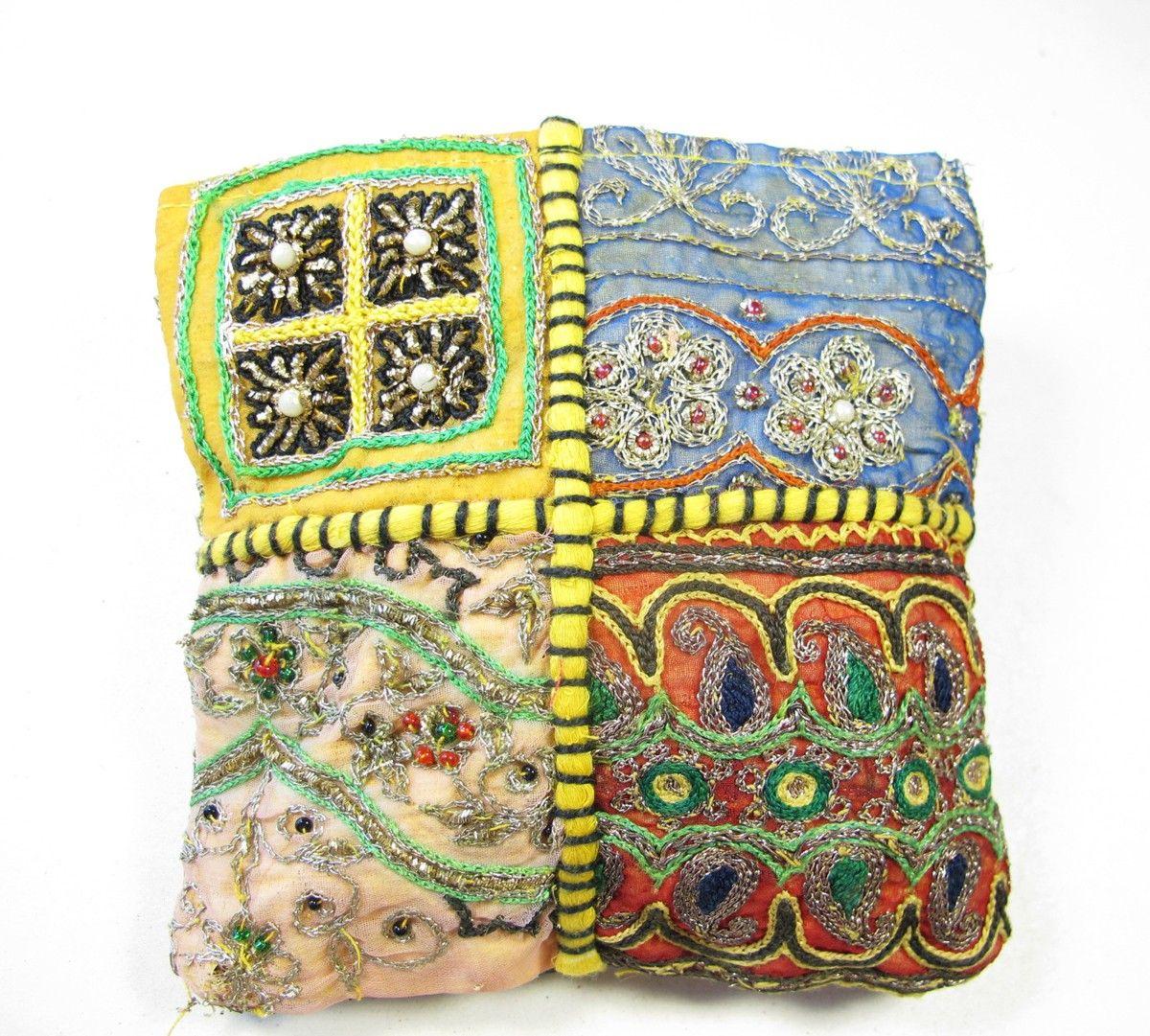 porte-monnaie en tissu indien brodé