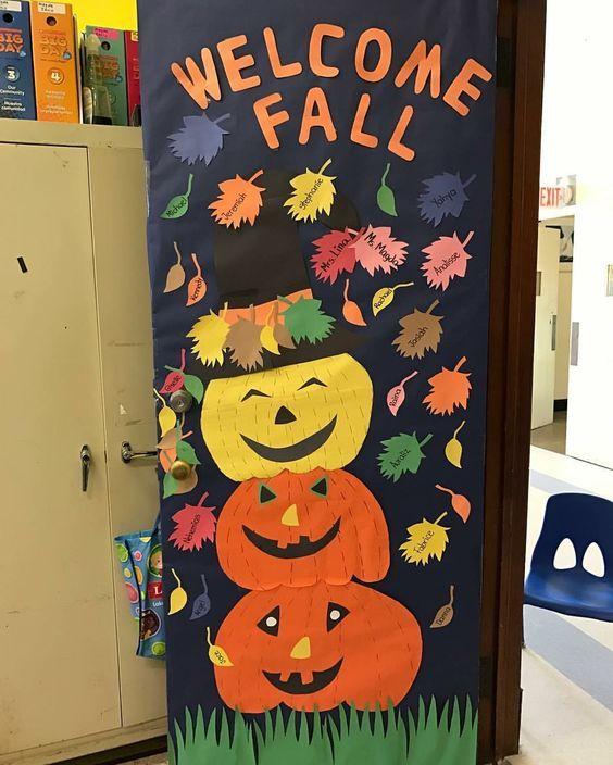 Easy Halloween Crafts for Kids at School - DIY Door Decorations #falldoordecorationsclassroom