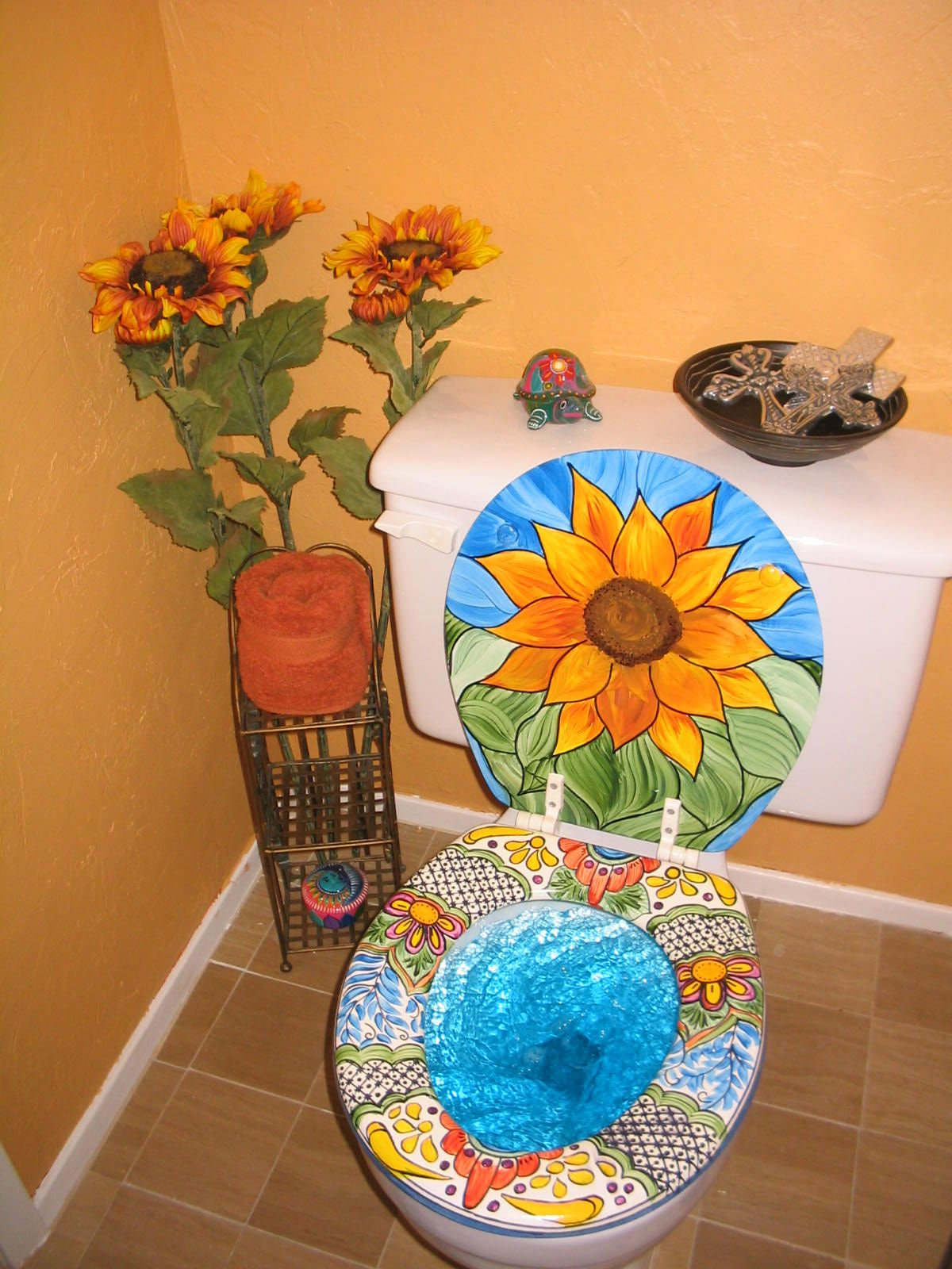 Mexican talavera pedestal sink puebla terra artesana - Mexican Talavera Inspired Painted Toilet Seat And Lid The Seat Matches My Sink Used