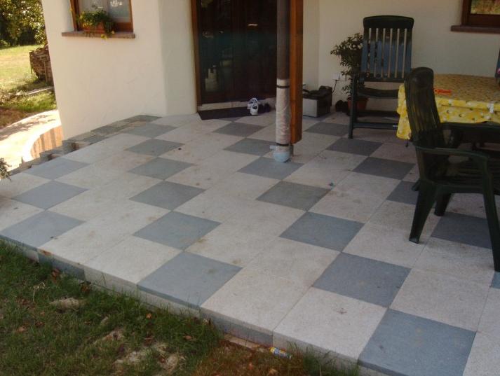 Terrassenplatten Legen Mithilfe Von Zwei Farben Machen Es Sieht