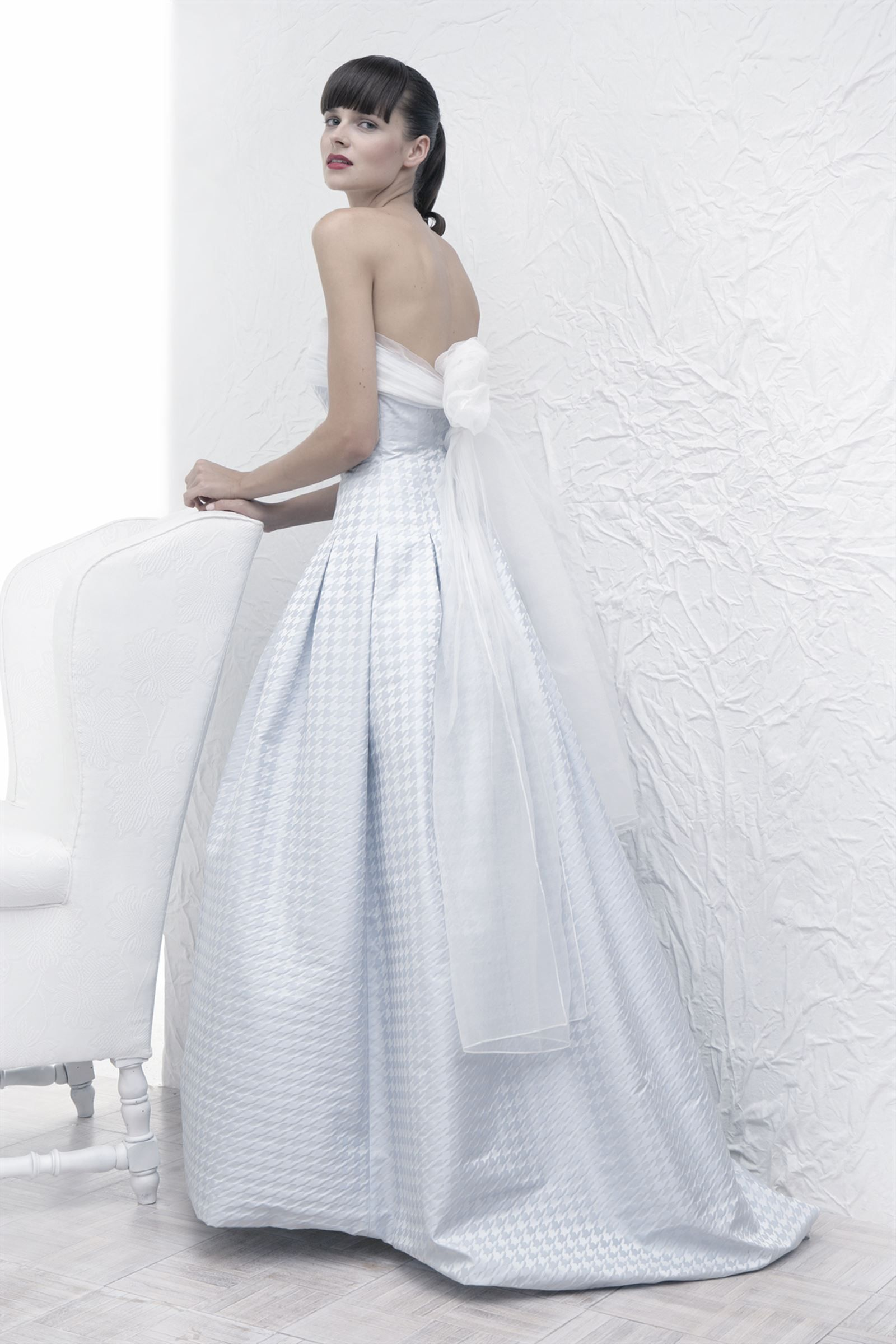 Classic Style Wedding Dress With Modern Additions From Acquachiara