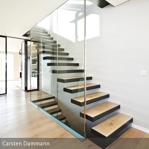 Modernes treppenhaus einfamilienhaus  Moderner Flur, Diele & Treppenhaus Bilder: Haus MD | Haus md ...