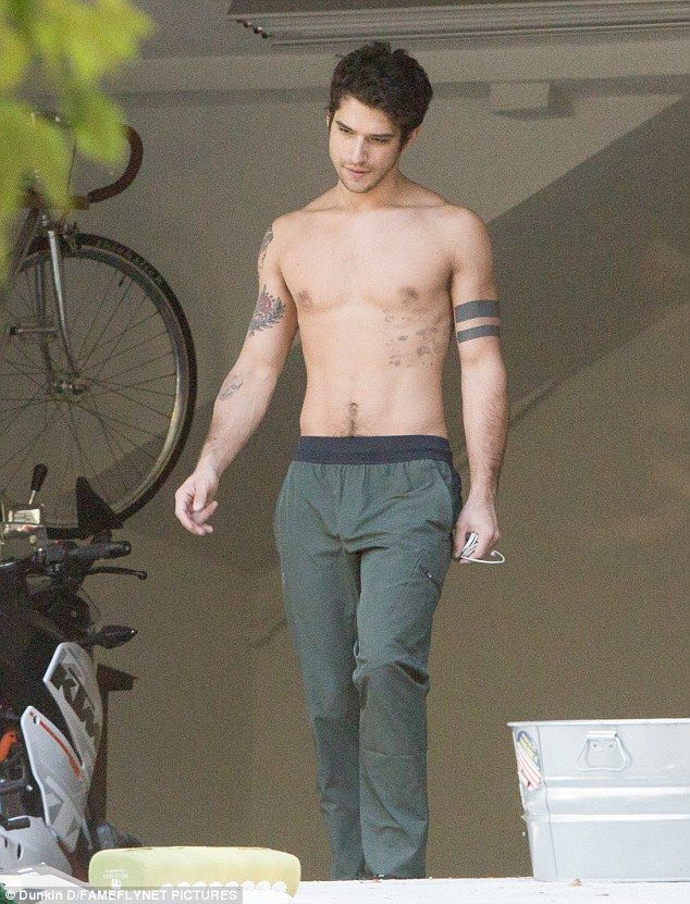 Teen Wolfs Tyler Posey Goes Shirtless Showing Off His Chiseled